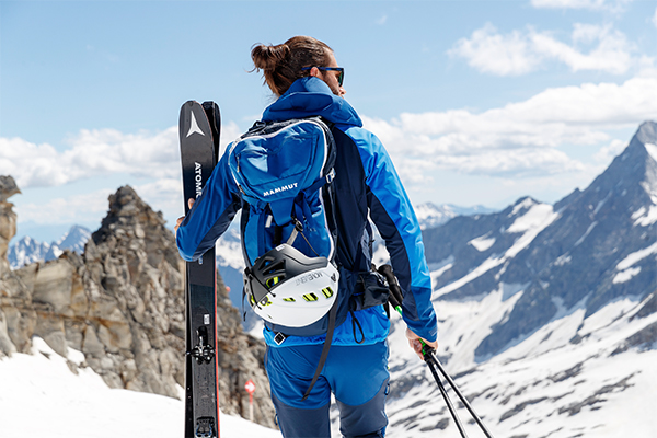 Skitouren Rucksack Atomic Ski Stöcke